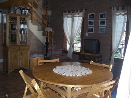 Alquiler temporario de casa en Villa ciudad parque( los reartes)