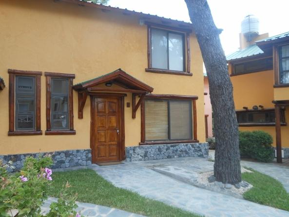 Casas en alquiler en villa gesell verano 2020 for Casa moderna 80m2