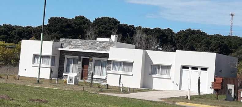 Alquiler temporario de casa en Pinamar, barrio tridente 3